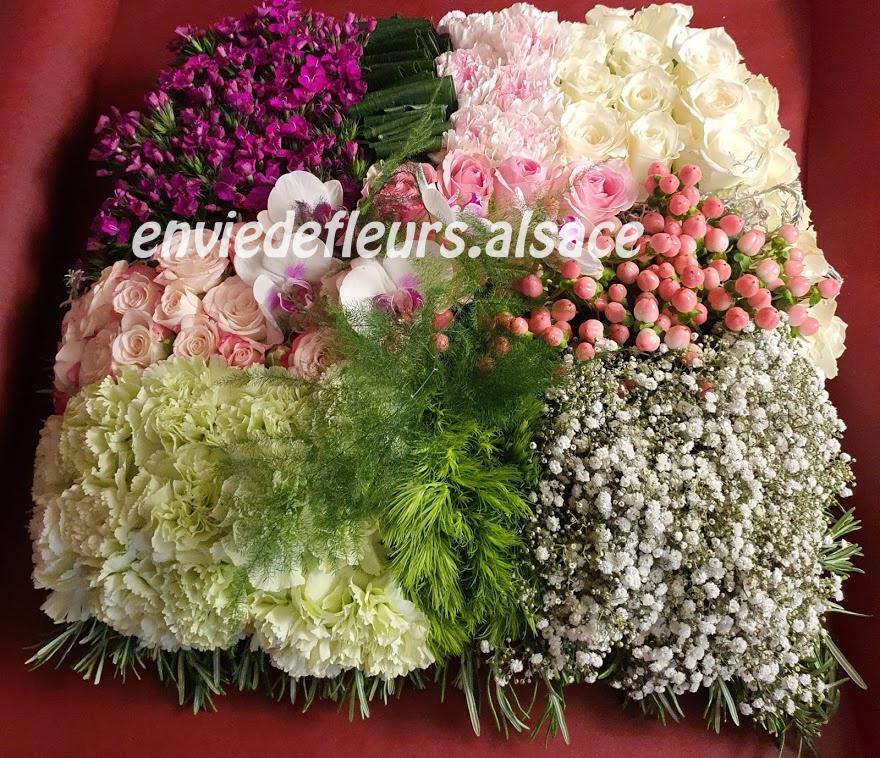 coussin Carré rose et blanc en fleurs